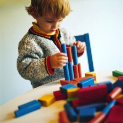 Child development expert discusses love, play in lecture