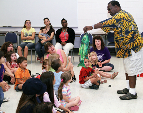 Library holds Arts program at FACE center