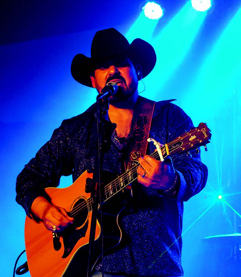 Local country artist nailed casino show