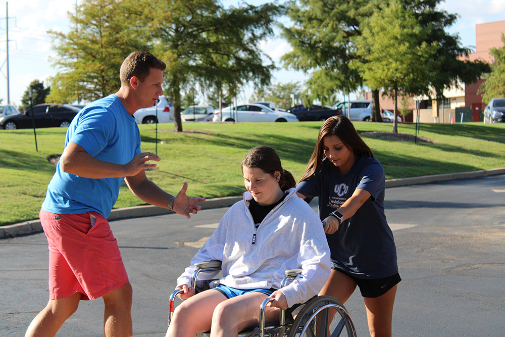 Physical Therapy Students Study Challenges Of Wheelchair Use